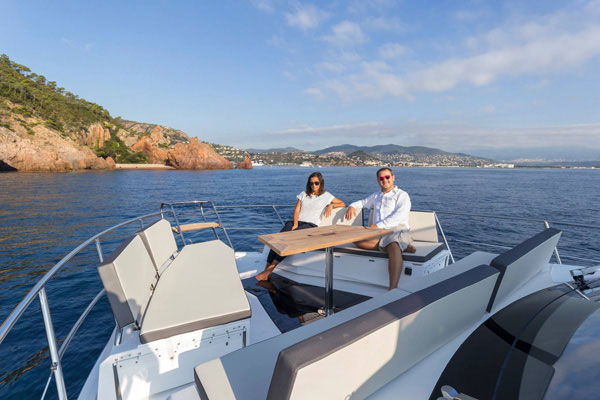Galeon 500 Fly fore