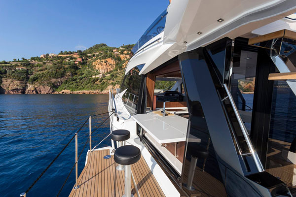 Galeon 500 Fly Bar
